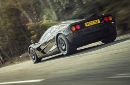 McLaren F1, rear, action