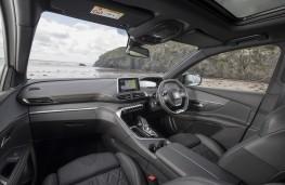 Peugeot 5008, interior, auto