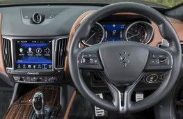 Maserati, Levante, dashboard