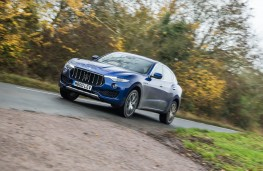 Maserati Levante, front action 3
