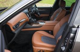 Maserati, Levante, front seats