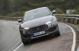 Maserati Levante, full front action