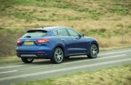 Maserati Levante, side action 2