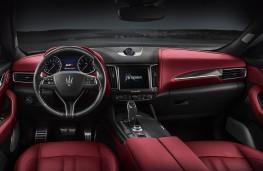 Maserati Levante GTS cockpit