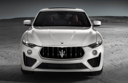 Maserati Levante GTS head on