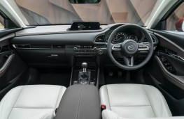 Mazda CX-30, dashboard