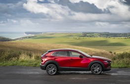 Mazda CX-30, side static