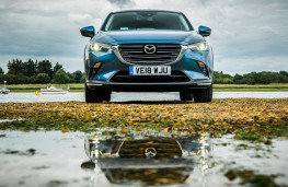 Mazda CX3 2018 head on