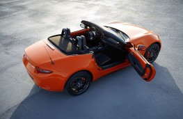 Mazda MX-5 30th Anniversary Edition Roadster overhead