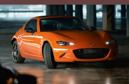 Mazda MX-5 RF 30th Anniversary Edition front threequarters