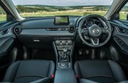 Mazda CX-3, dashboard