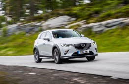 Mazda CX-3, front action 3