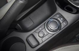 Mazda CX-3, rotary controller