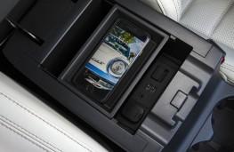 Mazda CX-5, phone tray