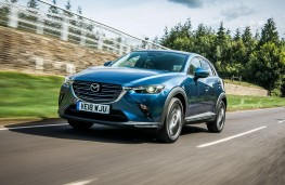 Mazda CX3 2018 front threequarter action