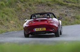 Mazda MX-5, rear action