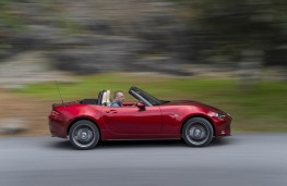 Mazda MX-5, side action