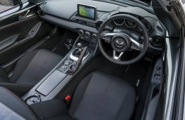 Mazda MX-5 RF, dashboard