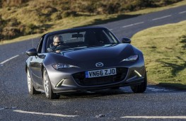 Mazda MX-5 RF, front action 2