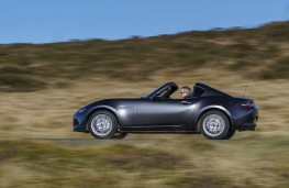 Mazda MX-5 RF, side action