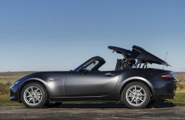 Mazda MX-5 RF, side top folding
