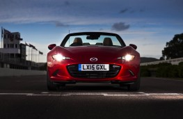 Mazda MX-5, front lights on