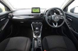 Mazda2 Black Edition+, dashboard