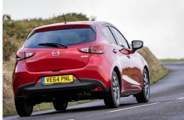 Mazda2, rear action