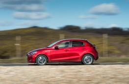 Mazda2, side