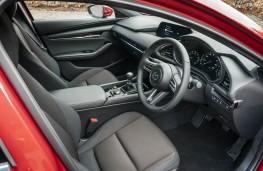 Mazda3, front seats