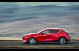 Mazda3, side action 2