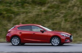 Mazda3 Hatchback, side action