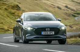 Mazda3 hatchback in Polymetal Grey