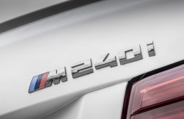 BMW M240i, 2017, badge