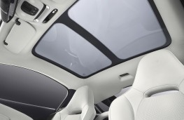 McLaren GT optional glass roof