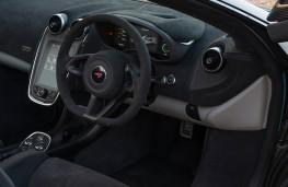 McLaren 570S Spider, dashboard