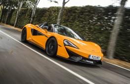 McLaren 570S Spider, side action