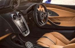 McLaren 570S Spider cockpit