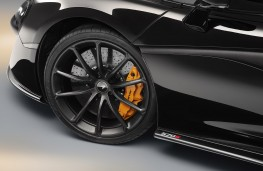 McLaren 570S Spider Design Edition brake calipers