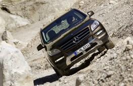 Mercedes M-Class 2012, off-road
