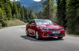 Kia Optima Sportswagon, driving