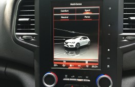 Renault Megane, 2016, screen, red