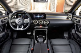 Mercedes - AMG A35 4Matic cockpit