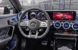 Mercedes-AMG A35 4Matic Saloon cockpit