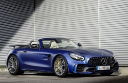 Mercedes-AMG GT R Roadster front threequarters