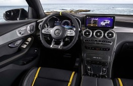 Mercedes-AMG GLC 63 4MATIC+ cockpit
