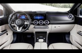 Mercedes-Benz B-Class, dashboard