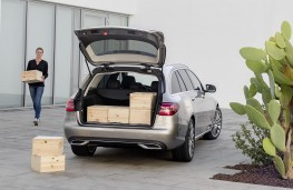 Mercedes-Benz C-Class Estate 2018 boot