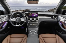 Mercedes-Benz GLC 2019 cockpit