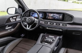 Mercedes-Benz GLE, dashboard